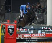 Chistian Ahlmann sigla il Premio Hicksteak-Presented by Carraro su Taloubet Z (ph De Lorenzo)