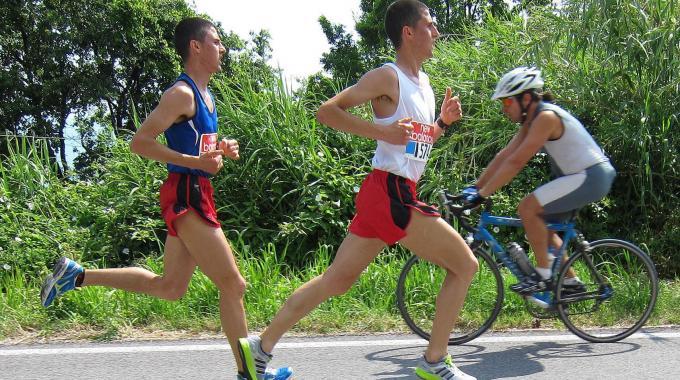 Successo per la Mezzamaratona: vince il montecchiese Marco Ercoli