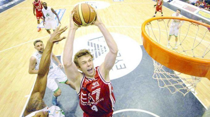 """Nicolò Melli, campione d'Italia con l'Olimpia basket: """"Sono fuori controllo dalla gioia"""""""