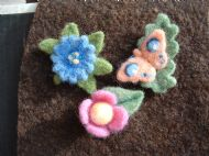 needlefelt brooches