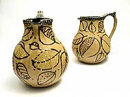 Large belly honey leaf jug