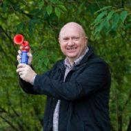 BBC Weatherman Paul Mooney starting the race!