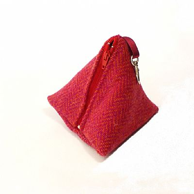 zip up pyramid purse in pink harris tweed by roses workshop