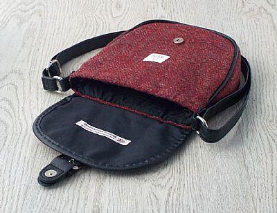 inside of harris tweed bag