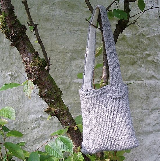 chunky knit shoulderbag han knitted from herdwick wool by roses workshop