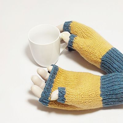 plain palms of fingerless gloves in british wool by roses workshop