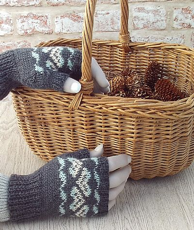 grey fingerless gloves fairisle design british wool by roses workshop