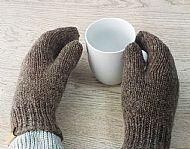 Brown British Falklands wool mittens