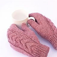 Pink Y-cable mittens