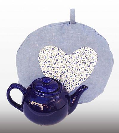 cotton tea cosy with apliques heart in ditsy flower pprint