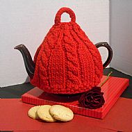 Red tea cosy in pure wool