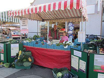 ardersier farmers market with macleod organics
