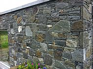 Rustic whinstone/granite large mix