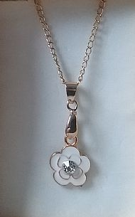 A5 WHITE ROSE NECKLACE