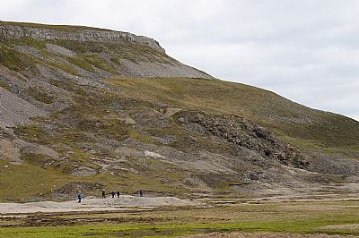 wgs members heading towards the knott - a geological conundrum
