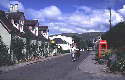 taynuilt main street road leading away from hotel and down to railway station