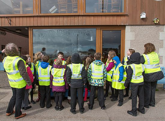 gourdon pupils outside hornblowers