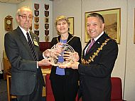 Eric receives Mayors Special Award in 2008