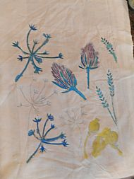 Field flowers were the starting point for this delicate design