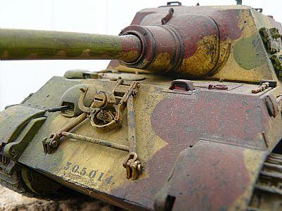 german second world war jagdtiger heavy tank destroyer 1/35 built scale model