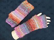 Fingerless mitts (157)
