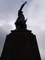Earl of Angus Statue.