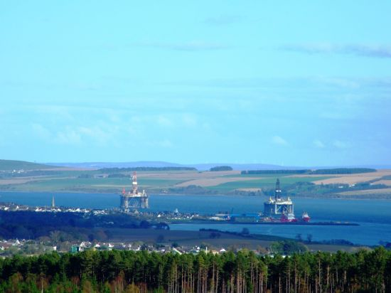 oil rigs in for service on the cromarty firth