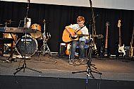 Jonny Ewers on Guitar