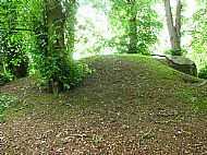 Ice house mound