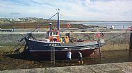 HPA153   Repainting 'Loch Roag'  2013 (H Evans)