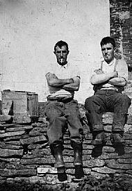 HPA732   John & Willie Dearness, bakehouse dyke