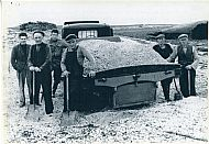 HPA050   Shell sand gathering, Start c.1946