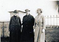 HPA182   Minna Hay, Granny Hay, Mrs Flynn