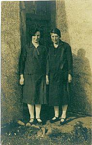 HPA763   Bessie Hope (née Meil) & Lizzie Tulloch @ Scar