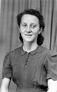HPA810   Barrie Alexander, nee Dearness, married to  J. O. Alexander