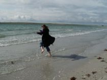 kirsty enjoys a paddle on rothiesholm beach!