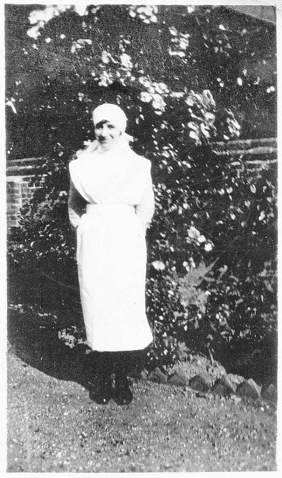 gwenyd robinson in her nurse missionary uniform