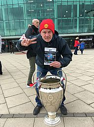 jrf-beyond-the-hatred-with-colin-from-icj-infront-of-old-trafford-the-european-cup