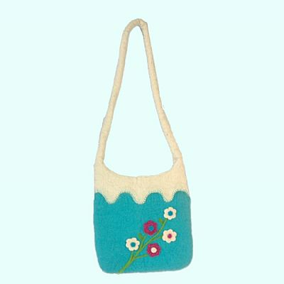 felt shoulderbag hanging