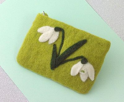 snowdrops felt purse by roses felt workshop