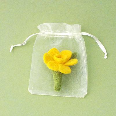 daffodil felt brooch in organa gift bag