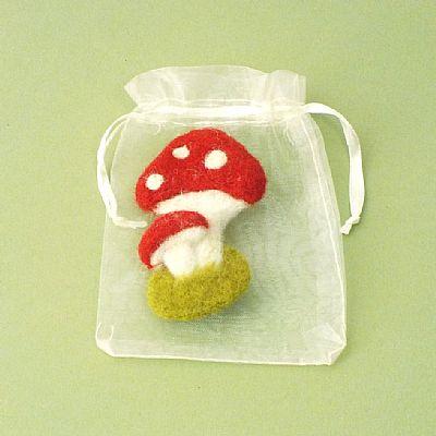 toadstool felt brooch in gift bag