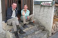 Simon and Lisa on steps of Gite d'Etape de Fos