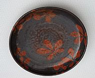 Plate with horsechestnut leaves