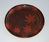 Plate with Japanese maple leaves