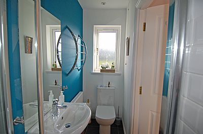 sea view en-suite shower
