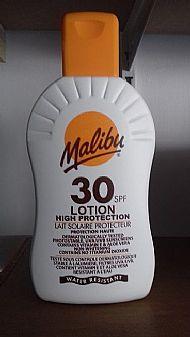 Sun tan lotion factor 30