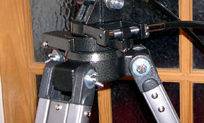 wing nuts improve the tripod leg fixings