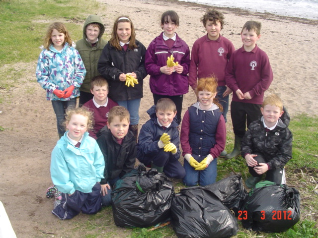 documents/southend%20primary%20school/beach%20clean.jpg