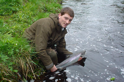 salmonquest salmon fishing holidays, river alness, catch and release